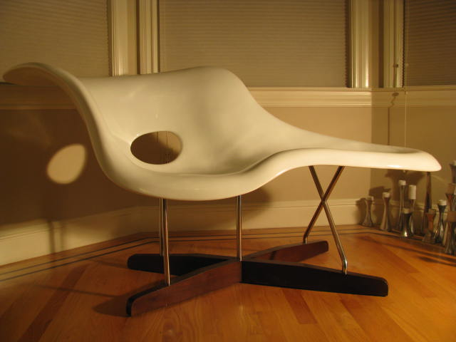Eames la chaise lounge chair iconic chair for La chaise eames occasion